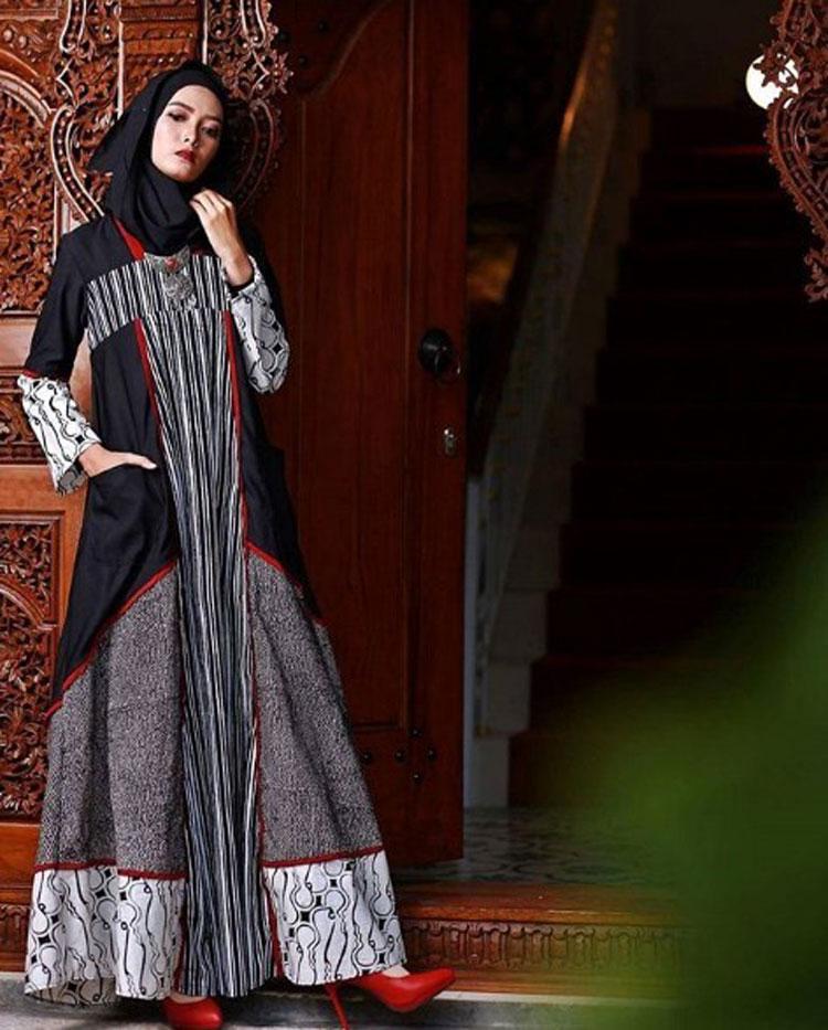 gamis-batik-kombinasi-banyak-motif-dan-warna.jpg