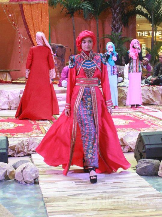 20130728_fashion-show-busana-muslim-karya-dian-pelangi_3552.jpg