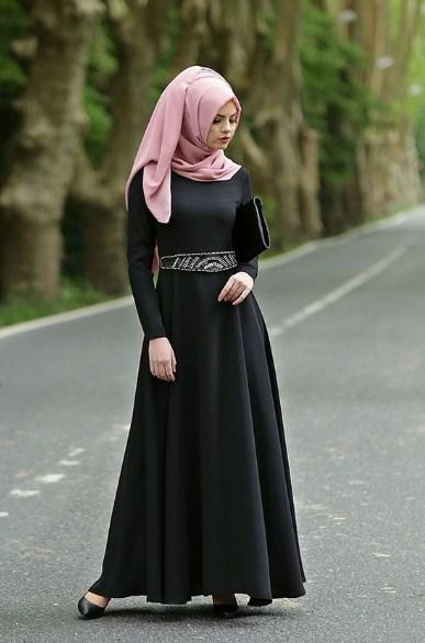 Gaun-Pesta-Hitam-Muslim.jpg