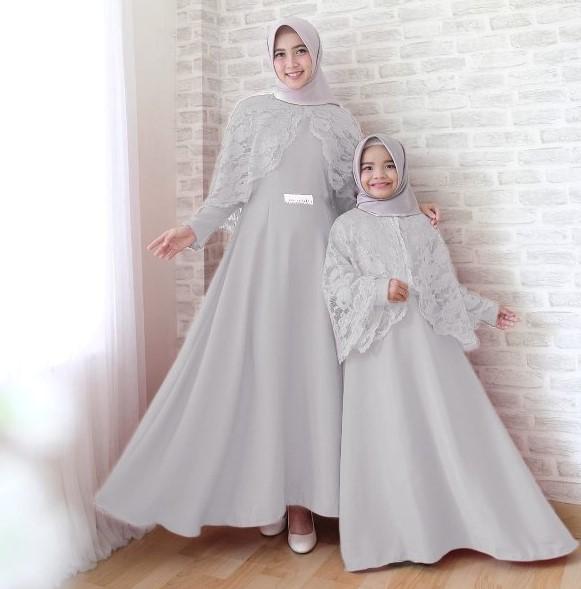 Baju-Gamis-Pesta-Couple-Ibu-dan-Anak-Perempuan-Brokat-Cape-Soft-Grey.jpg