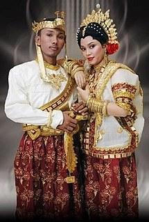 Bentuk Gaun Pengantin Muslim Ala India 3ldq Makassar People Wikimili