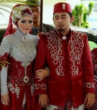 Bentuk Gaun Pengantin Muslimah Warna Merah Marun Ipdd Baju Pengantin Muslim Warna Merah