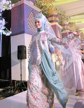 Bentuk Sewa Baju Pengantin Muslimah Rldj Gaun Pengantin Dengan Tema Flower Garden Of Princess 2012