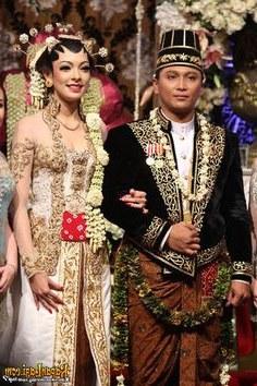 Design Gaun Pengantin Muslimah Adat Jawa Jxdu 28 Best Gold Kebaya & Beskap for Resepsi Images