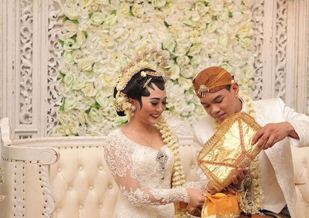 Design Gaun Pengantin Muslimah Adat Jawa S1du Mengenal Prosesi Pernikahan Adat Jawa V&co Jewellery News