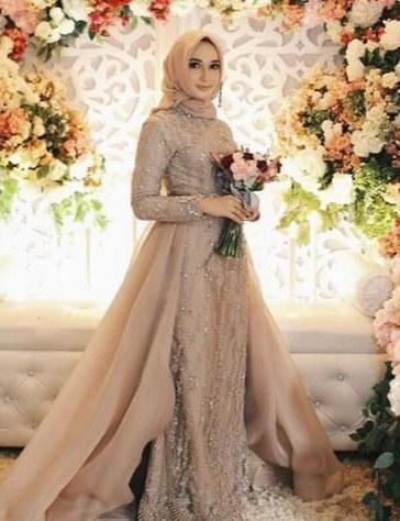 Design Gaun Pengantin Muslimah Untuk Tubuh Mungil O2d5 5 Tips Memilih Gaun Pengantin Muslimah Yang Tepat Tanpa