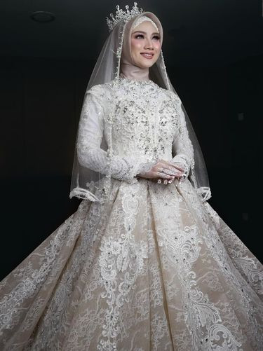 Gaun Pengantin Cantik Berhijab Elegant 8 Inspirasi Gaun Pengantin Muslimah Dari Artis Hingga Selebgram