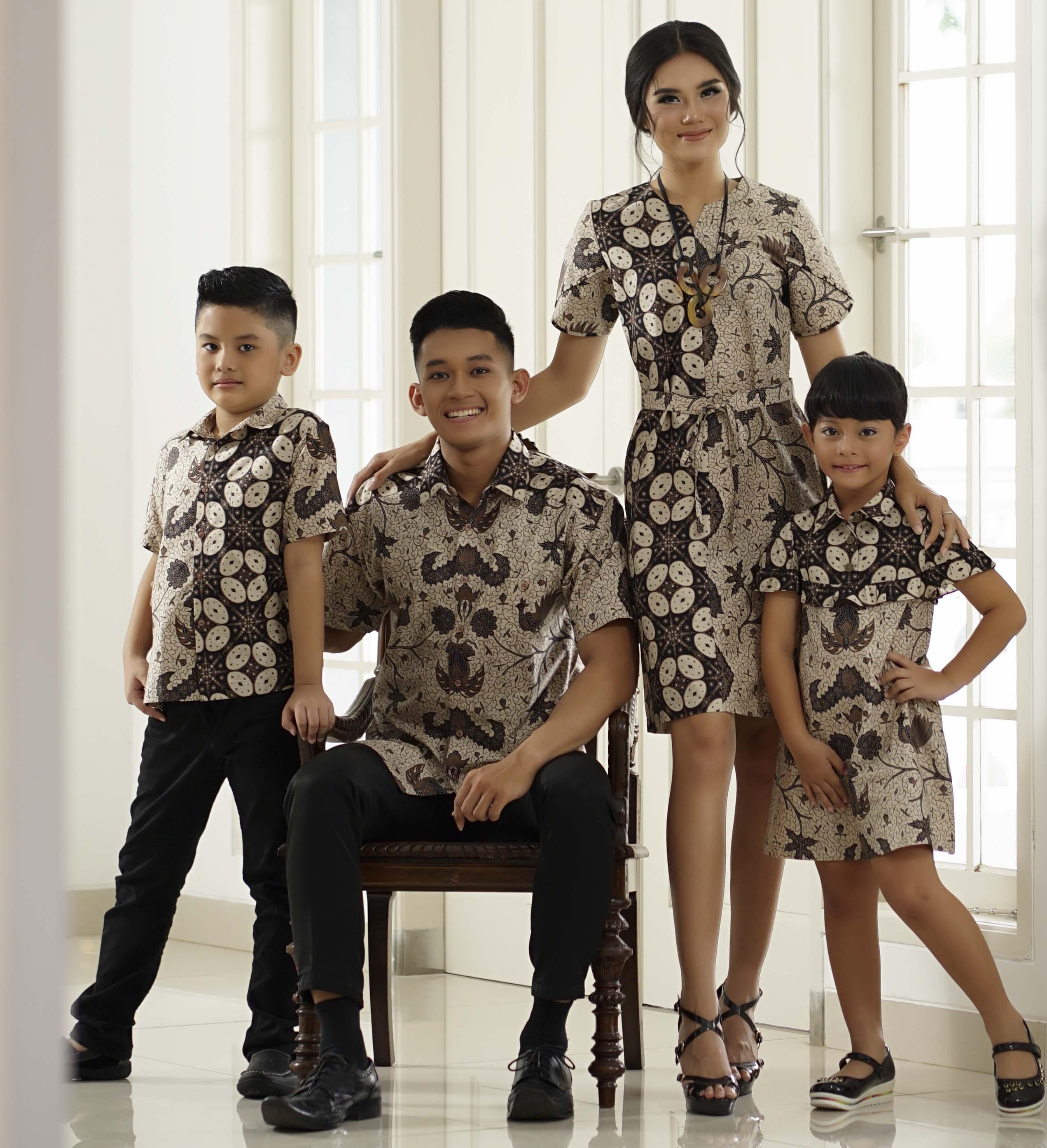 Gaun Pengantin Muslimah Modern Warna Gold Unique toko Batik Modern Terbaik Kerajinan Dan Oleh Oleh Khas