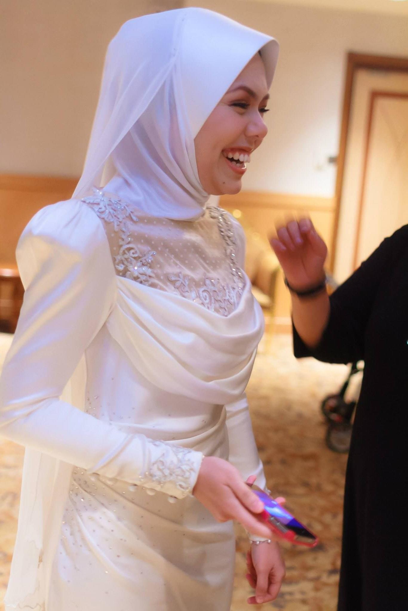 Ide Baju Pengantin Muslimah 2016 S1du Baju Pengantin Moden Baju Pengantin songket by Melinda