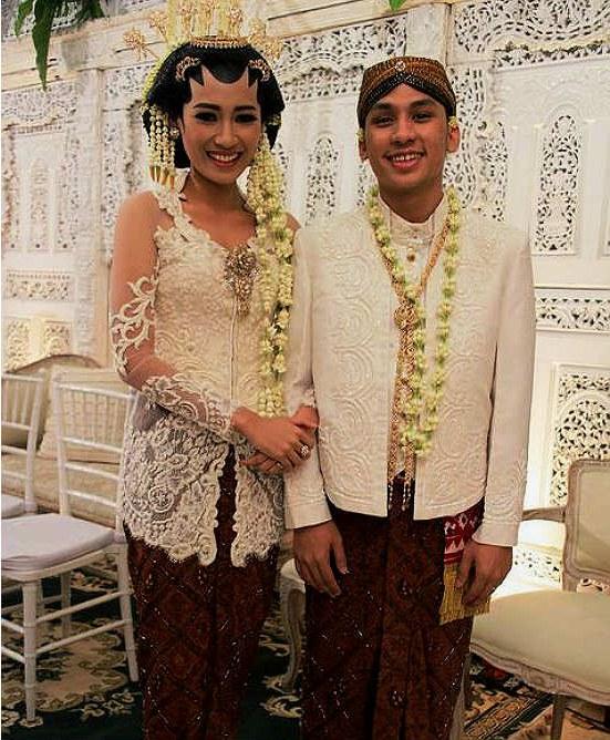 Inspirasi Gaun Pengantin Adat Jawa Muslim Budm Jenis Pakaian Adat Jawa Timur Pesa An Madura Model Baju