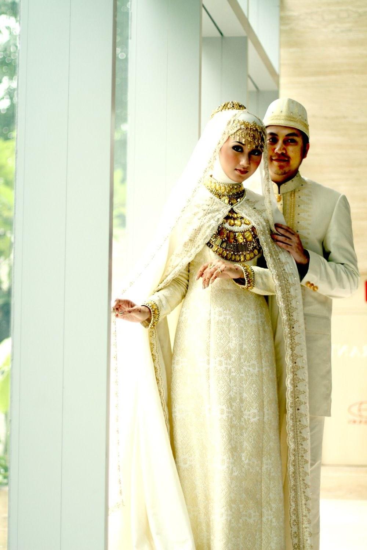 Model Gaun Pengantin Muslim Dian Pelangi Zwdg andi Prastyawan andiprastyawan On Pinterest