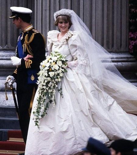 Model Gaun Pengiring Pengantin Muslim Kvdd Jarum Masih Tertinggal Pada Gaun Pengantin Putri Diana