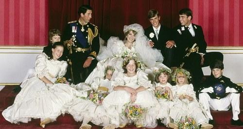Model Gaun Pengiring Pengantin Muslim Y7du Jarum Masih Tertinggal Pada Gaun Pengantin Putri Diana