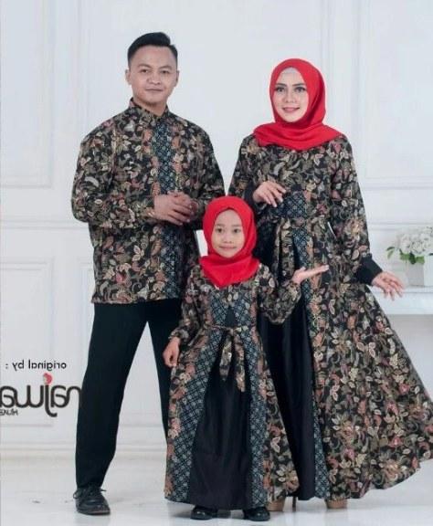 Bentuk Gamis Batik Seragam Pernikahan 8ydm √ 27 Model Baju Batik Couple Keluarga Modern Terbaru 2020
