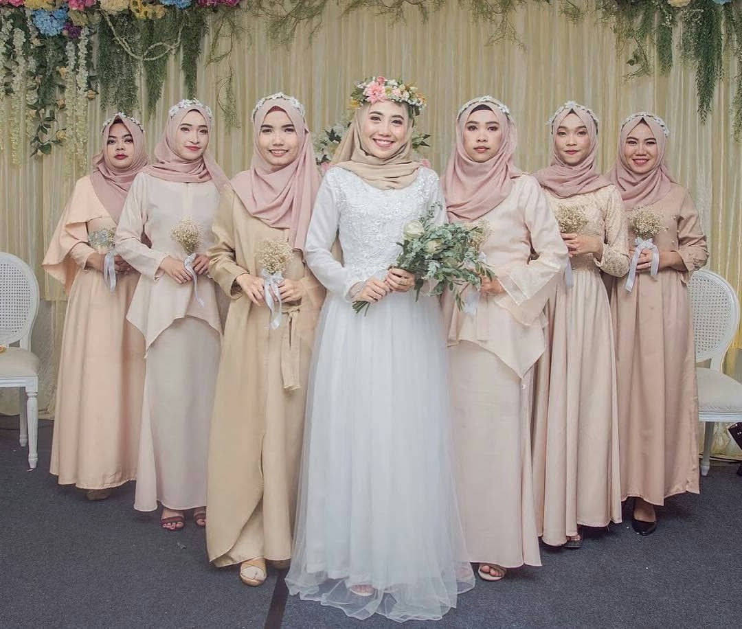 Bentuk Gamis Pernikahan Muslimah 3id6 Rama Adhif Ramaadhif On Pinterest