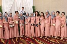 Bentuk Inspirasi Bridesmaid Hijab Zwdg 22 Best Fhfamwear Images