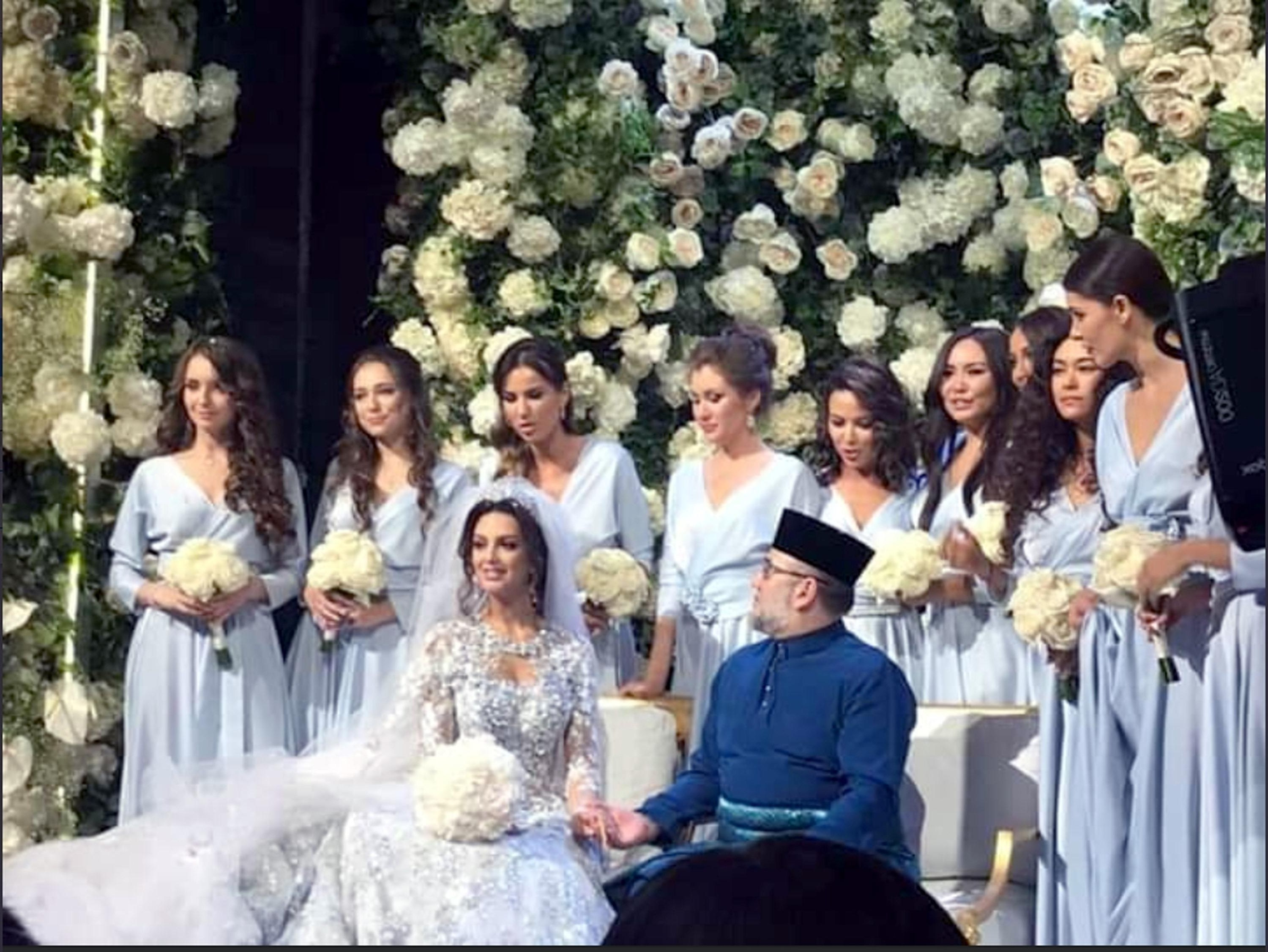 Design Ootd Bridesmaid Hijab J7do King Of Malaysia 49 Suddenly Quits Just Months after