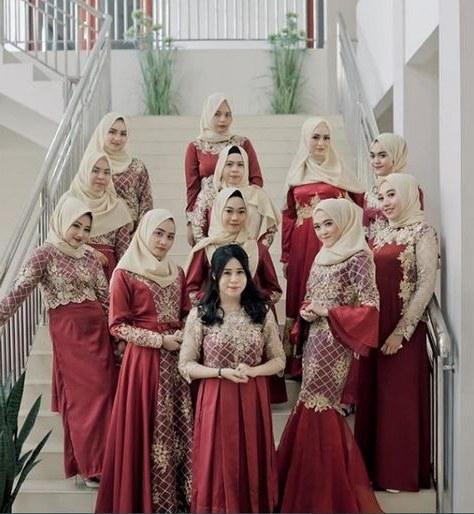 Ide Gamis Pesta Pernikahan Qwdq List Of Gamis Brokat Pesta Bridesmaid Dresses Pictures and
