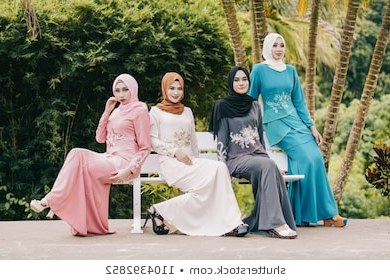 Ide Gaun Bridesmaid Hijab U3dh Muslim Girls Stock S & Graphy