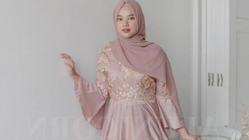 Ide Model Baju Gamis Untuk Pernikahan Zwdg Makin Kece Ke Resepsi Pernikahan Dengan Busana Muslim