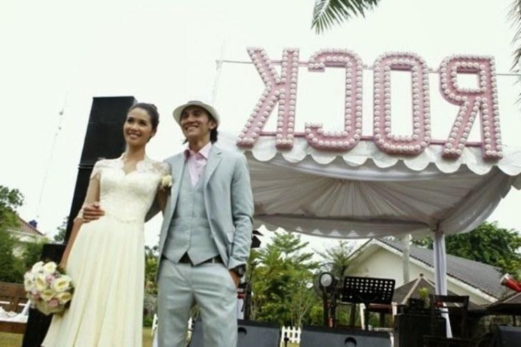 Inspirasi Gamis Untuk Resepsi Pernikahan Thdr Aneka Busana Kaftan Trik Hemat Menciptakan Pernikahan Di