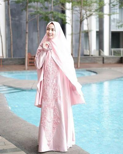 Model Gamis Syari Untuk Pesta Pernikahan Nkde Tips Dan Trik Memilih Style Hijab Syar I Ke Pesta Yang