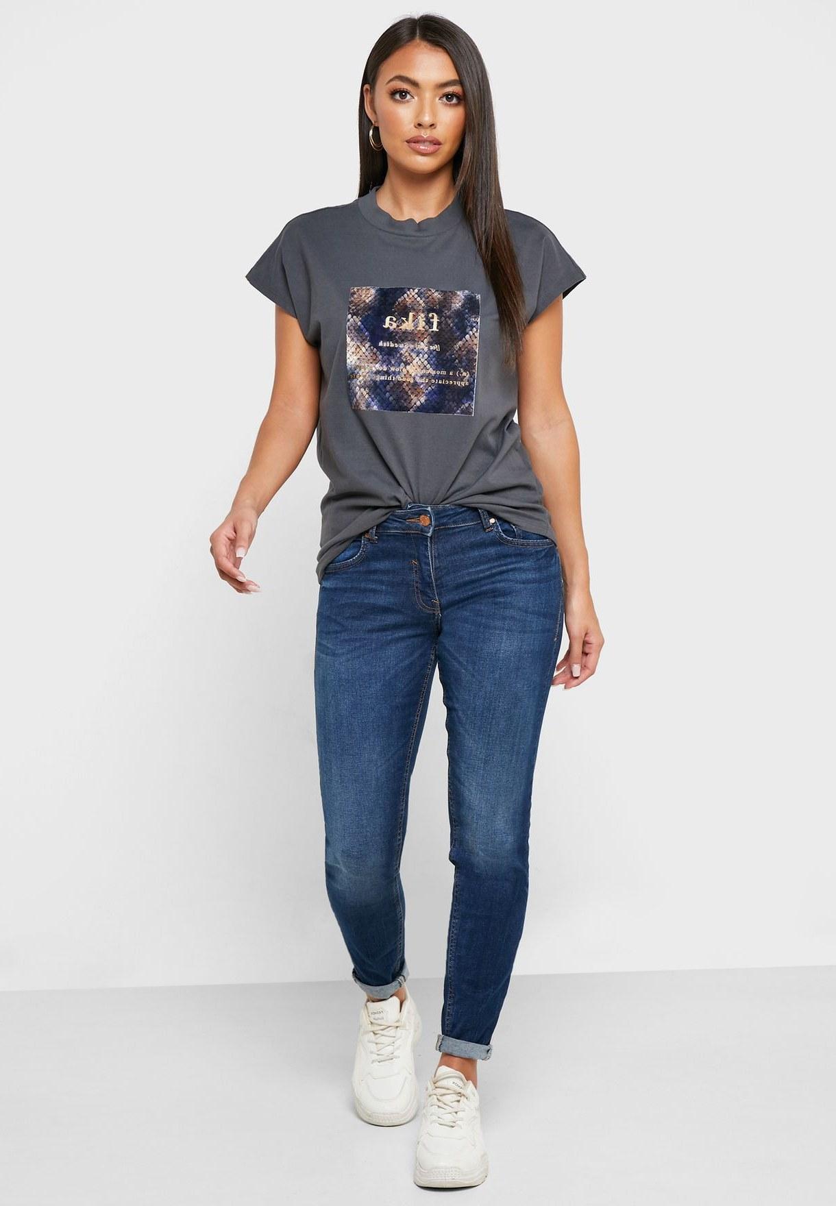 Model Model Bridesmaid Hijab 2019 4pde Crew Neck Graphic T Shirt