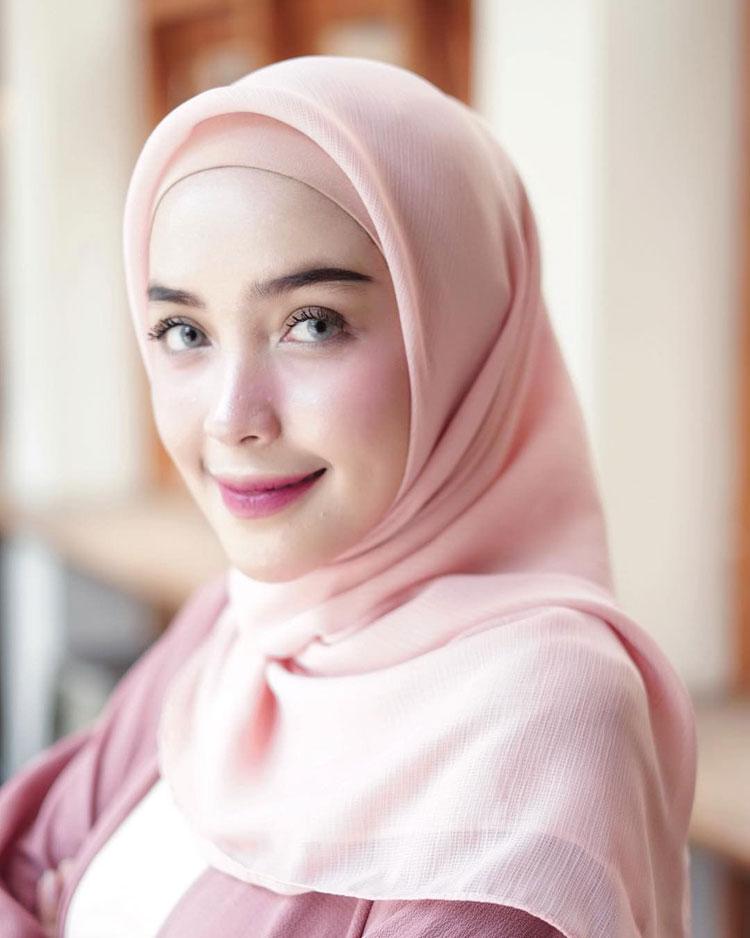 Tutorial Hijab Simple Ala Anak Kuliah Ragam Muslim