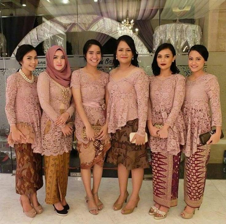 Bentuk Baju Lebaran Keluarga 2020 0gdr Model Kebaya Seragam Trend 2018 Untuk Pernikahan Acara