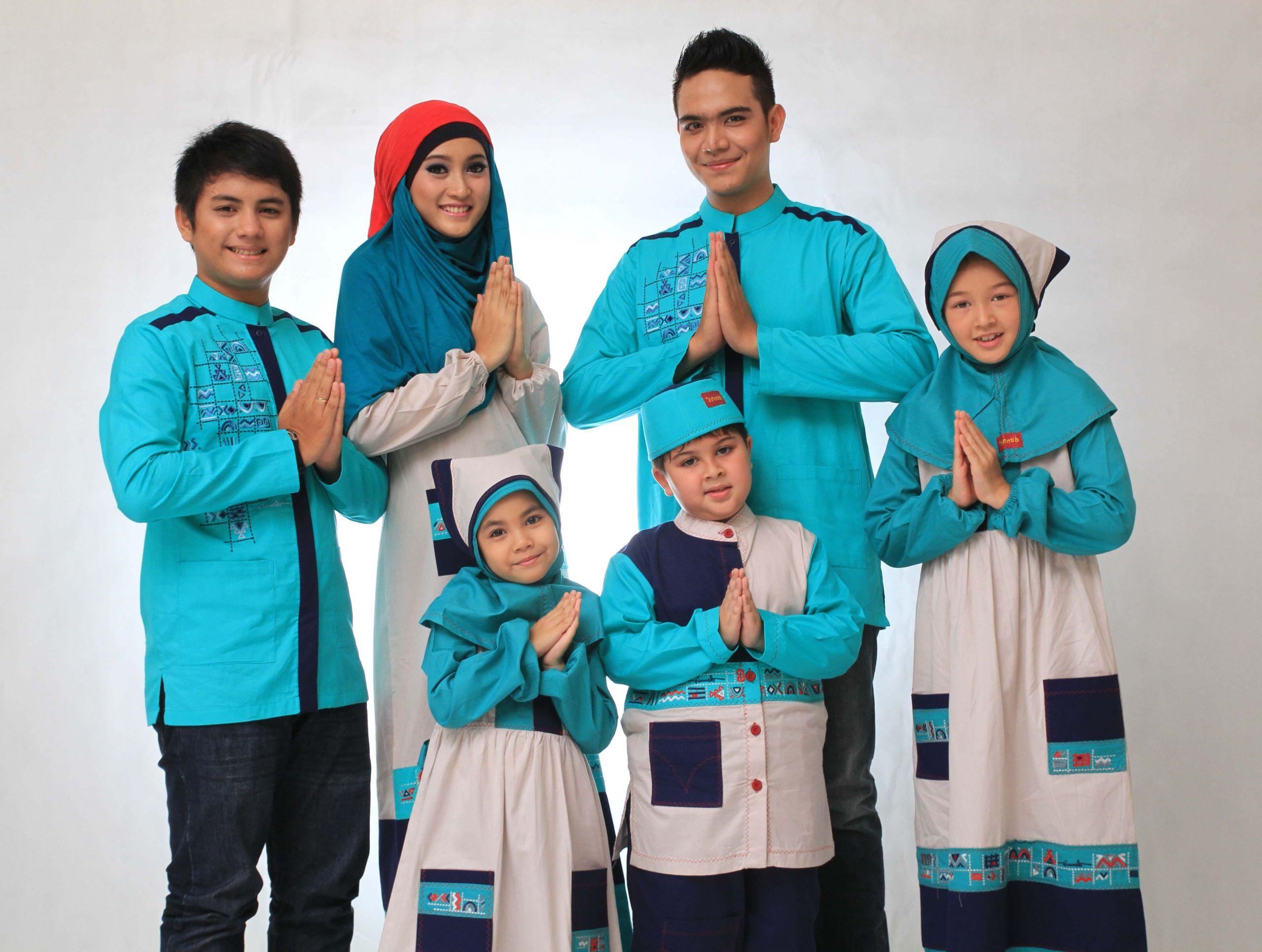 Bentuk Baju Lebaran Keluarga Terbaru Ftd8 Baju Muslim Untuk Lebaran Berhijab