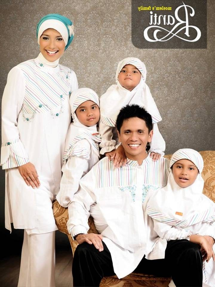 Bentuk Baju Lebaran Keluarga Warna Putih Dddy 55 Model Baju Muslim Seragam Keluarga Warna Putih Terbaru