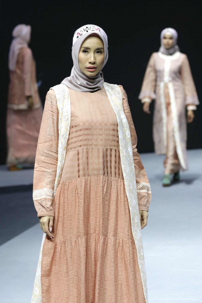 Bentuk Baju Lebaran Pria 2020 Dwdk Inspirasi Tren Busana Muslimah Lebaran 2020 Foto 5
