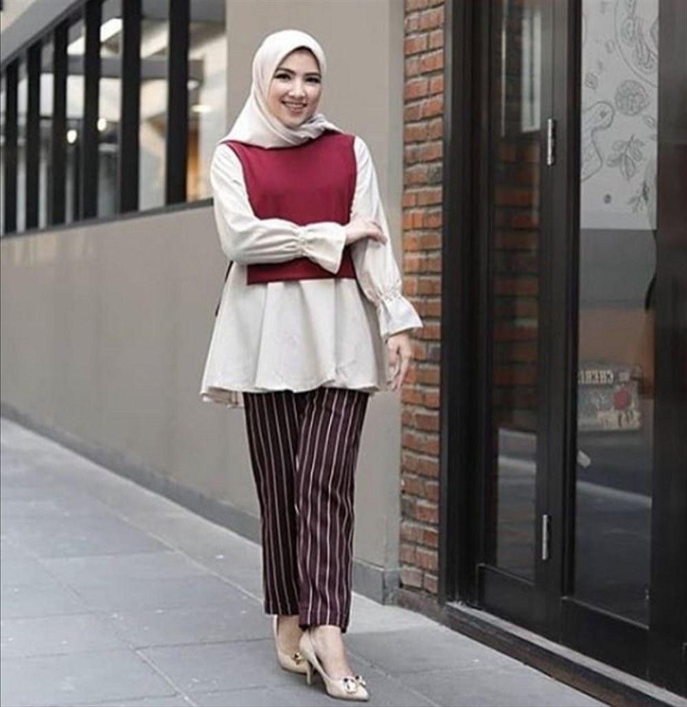 Bentuk Baju Lebaran Remaja Kekinian Q5df Jual Mona Blouse White Pakaian Wanita Remaja Kekinian Baju