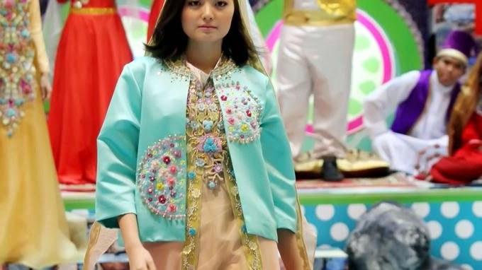 Bentuk Baju Lebaran Thn Ini Tldn India Menginspirasi Baju Lebaran Karya Desainer Malik