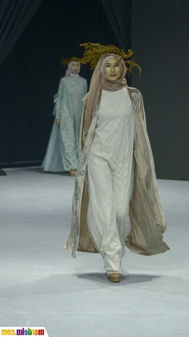 Bentuk Fashion Muslimah Terbaru 2020 Qwdq Foto Muslimah Fashion Festival 2020 Di Senayan Merdeka