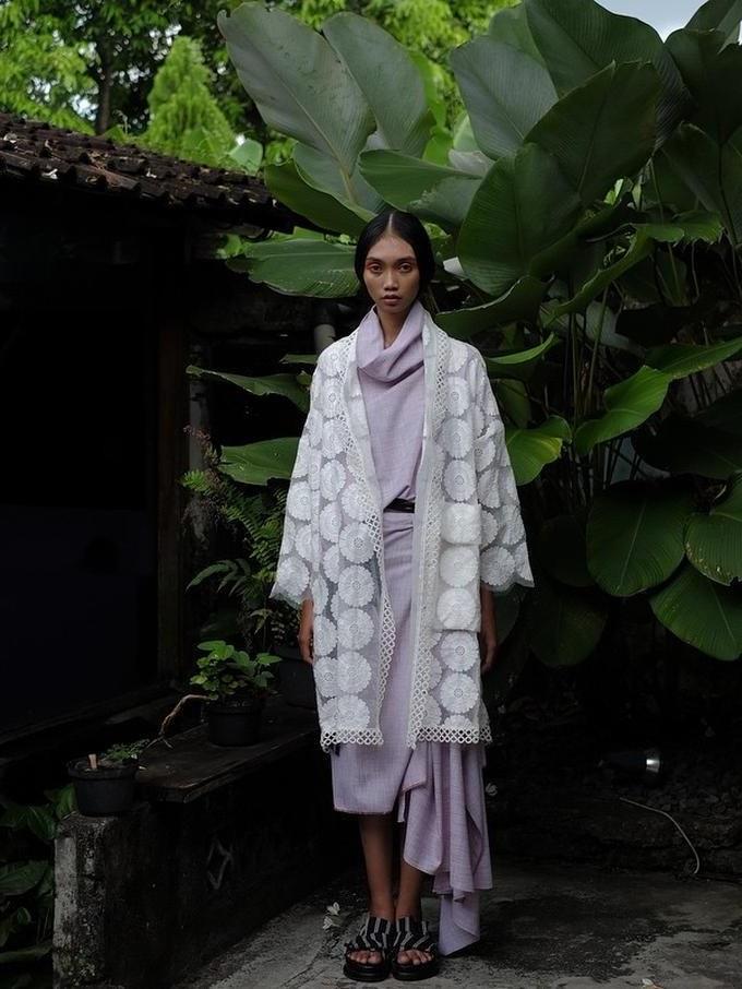 Bentuk Ide Baju Lebaran 4pde Ide Baju Lebaran Modern Etnik Desainer Lokal Dari Batik