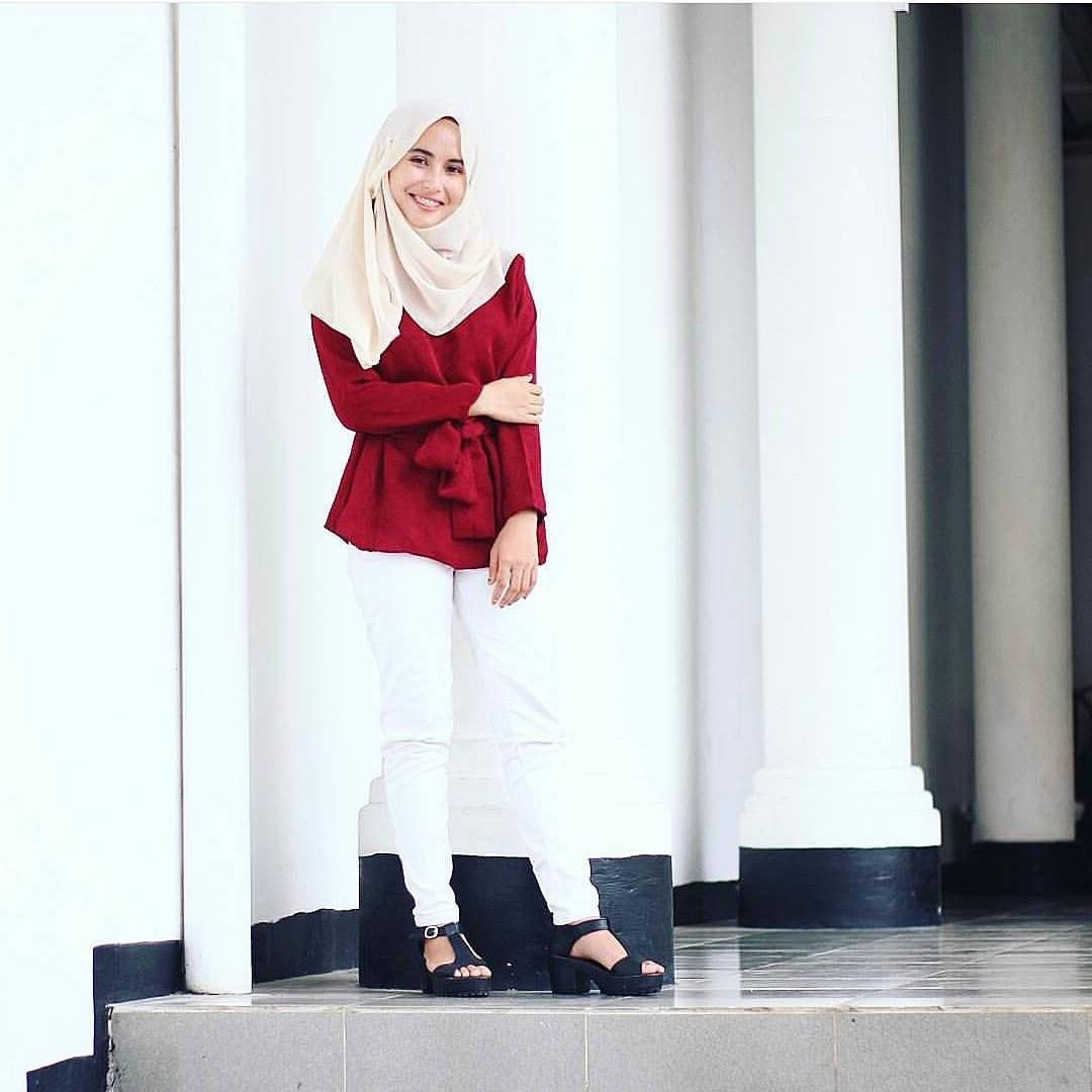 Bentuk Model Baju Lebaran 2018 atasan Q0d4 18 Model Baju Muslim Terbaru 2018 Desain Simple Casual