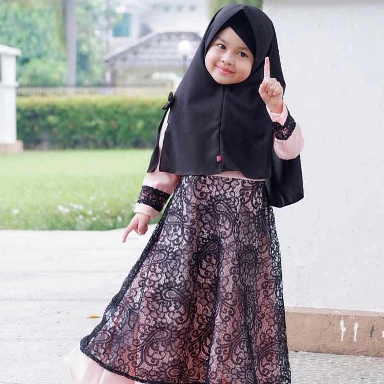 Design Baju Lebaran Anak Perempuan 2018 Dddy 15 Tren Model Baju Lebaran Anak 2019 tokopedia Blog