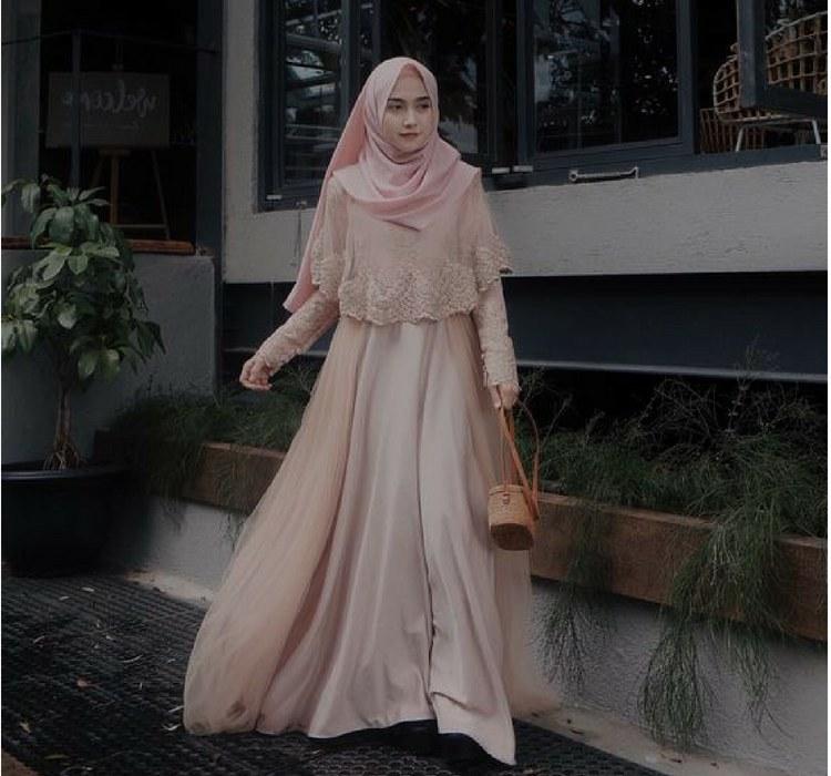 Design Baju Lebaran Masa Kini Irdz 10 Referensi Busana Muslim Ber A Manis Cocok Ban