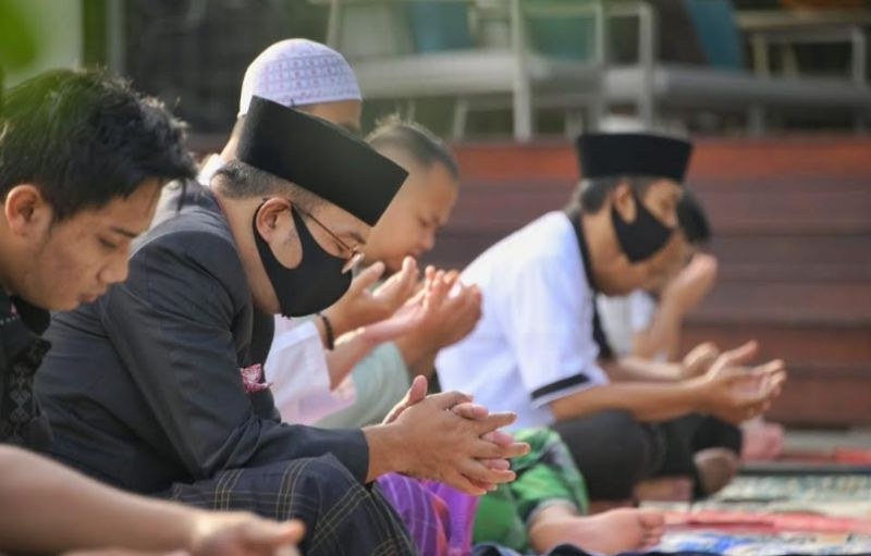 Design Baju Lebaran Ridwan Kamil Dwdk Sholat Id Di Rumah Ridwan Kamil Kita Tetap Selesaikan