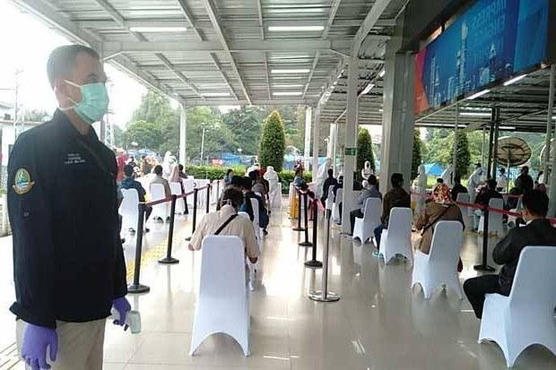 Design Baju Lebaran Ridwan Kamil O2d5 Ridwan Kamil Sebut Tiga Penumpang Krl Bogor Jakarta Positif