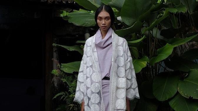 Design Baju Lebaran Terkini Thdr Ide Baju Lebaran Modern Etnik Desainer Lokal Dari Batik
