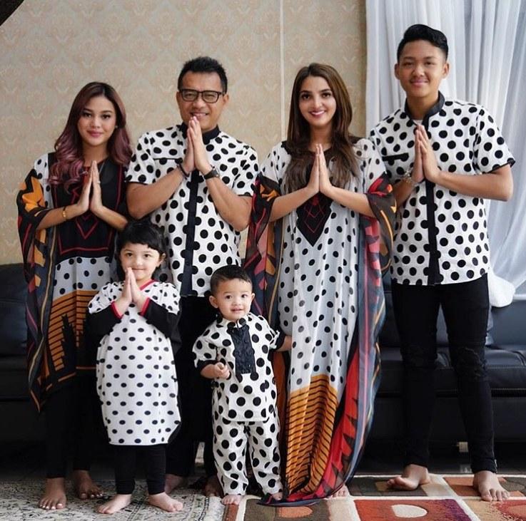 Design Baju Lebaran Unik H9d9 Baju Lebaran Unik Artis Yang Bisa Jadi Insiprasi Baju