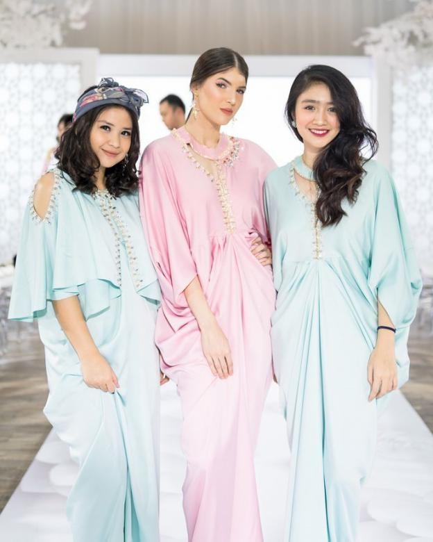 Design Baju Lebaran Wanita Mndw 14 Tren Fashion Lebaran 2020 Yang Kekinian Untuk Wanita