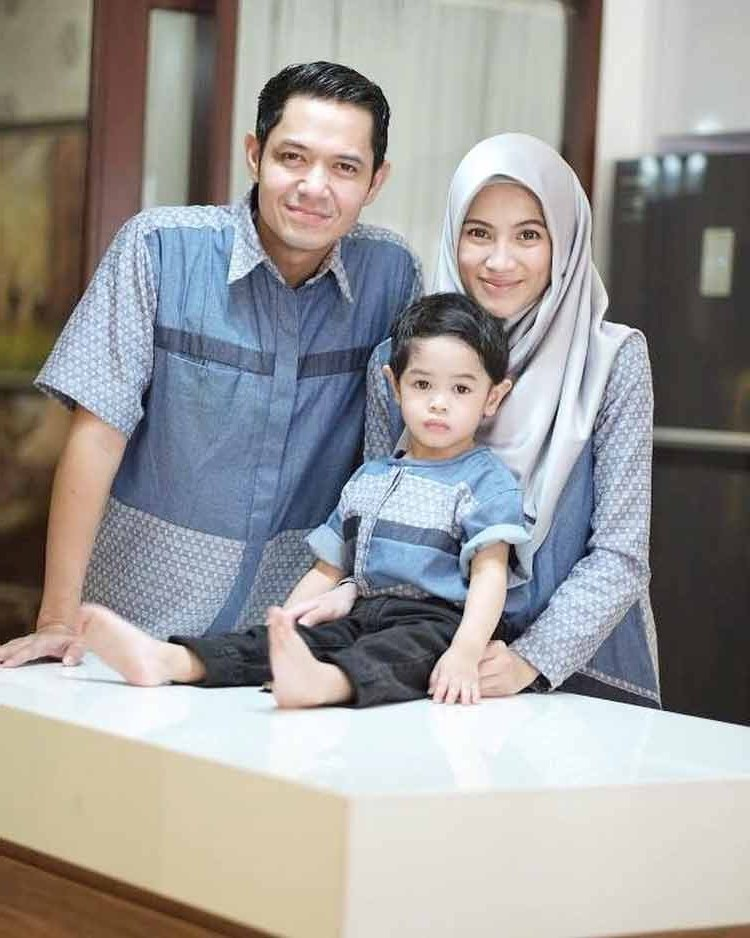 Design Lazada Baju Lebaran Tldn 15 Baju Lebaran Keluarga Artis Terkenal Di Indonesia