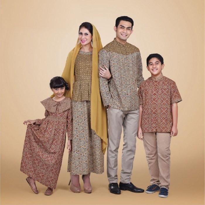 Design Model Baju Lebaran 2018 Keluarga Rldj Model Baju Batik Sarimbit Modern Untuk Pasangan Couple