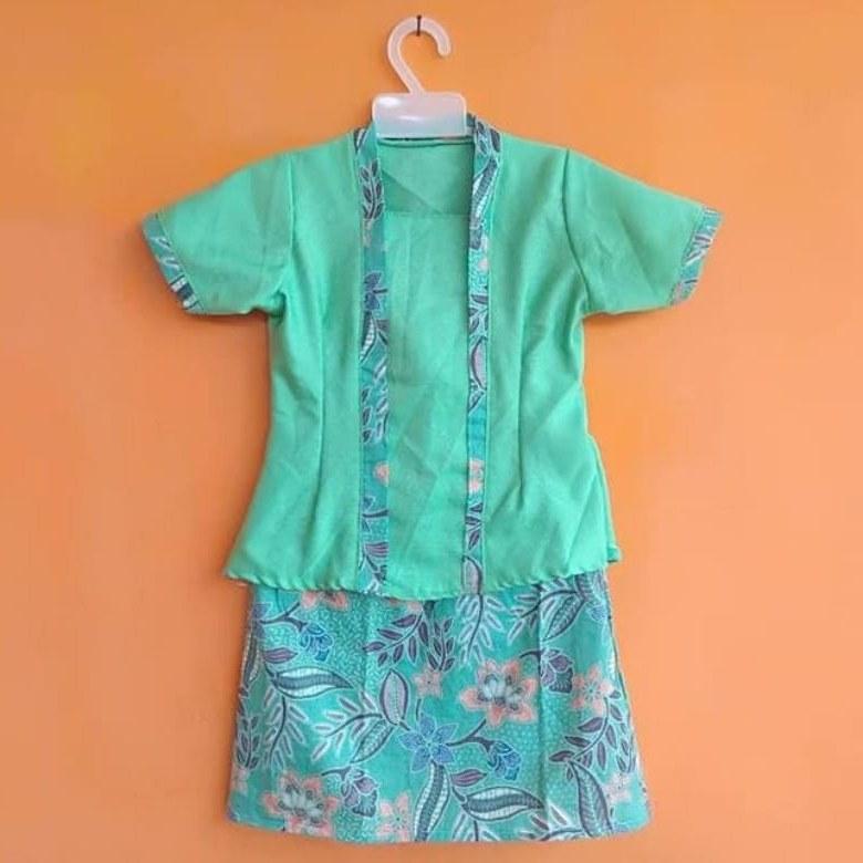 Design Model Baju Lebaran 2019 Untuk Anak Perempuan H9d9 15 Tren Model Baju Lebaran Anak 2019 tokopedia Blog