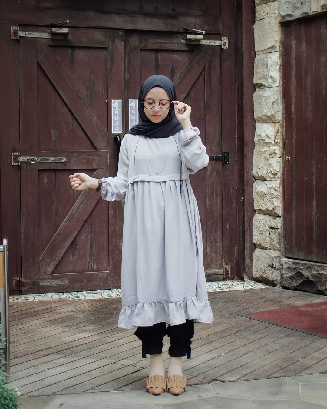 Design Model Baju Lebaran Nissa Sabyan S5d8 10 Gaya Berpakaian Nissa Sabyan Yang Bisa Kamu Tiru Untuk