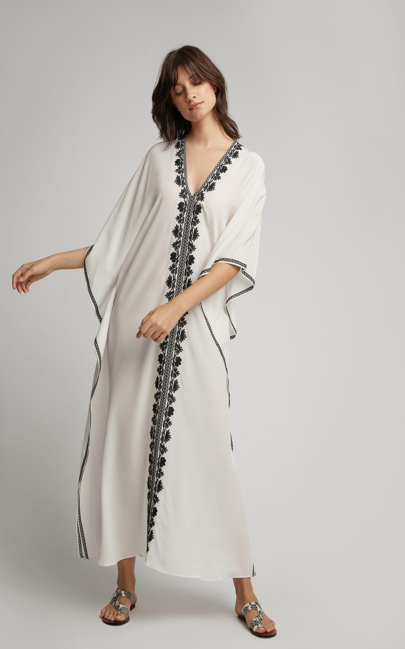 Design Model Baju Lebaran Simple Tapi Elegan Tqd3 6 Model Kaftan Terbaru Untuk Lebaran Yang Elegan
