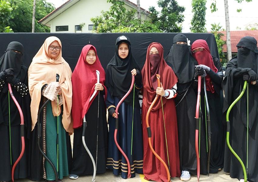 Design Muslimah Bercadar Dari Belakang 87dx Mengapa Niqab Banyak Digunakan Oleh Wanita Muslim Di Indonesia